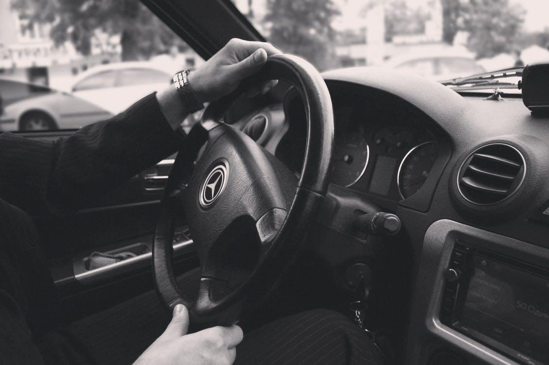 Opłaty, jakie nas czekają sprowadzając auto z zagranicy